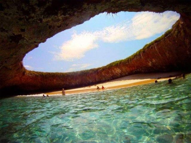 Чудо природного дизайна, острова Мариетас