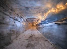 Искусственный тоннель в леднике Лангйокудль (Исландия)