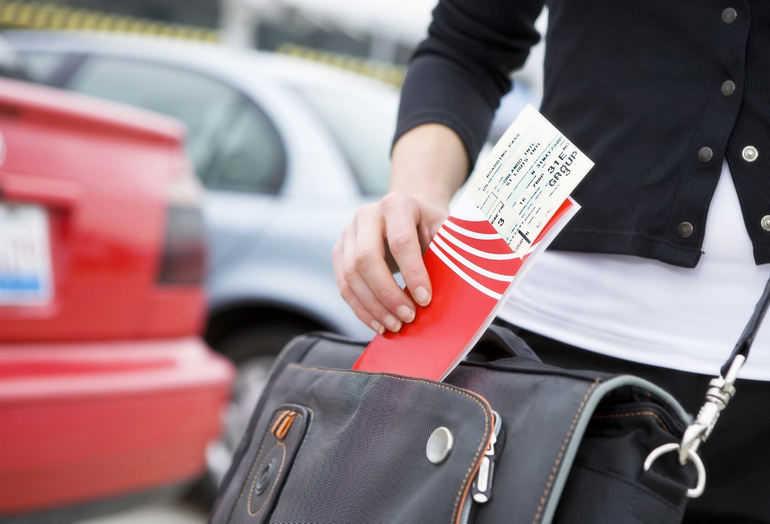 Где лучше всего покупать билеты на самолет?