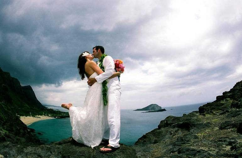 Свадебный тур за границу: плюсы и минусы