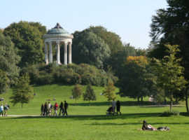 Моноптер в Английском парке