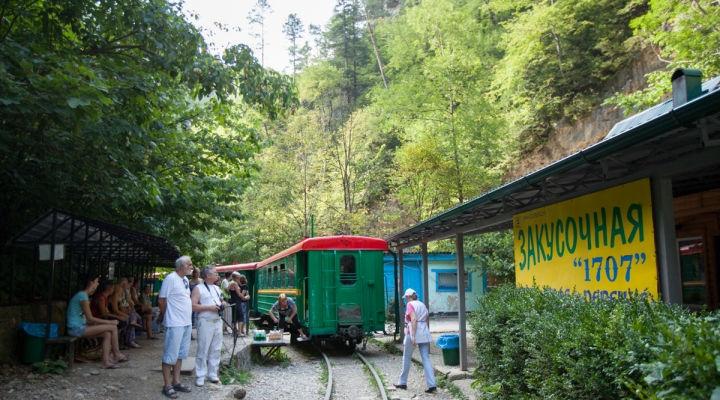 Гуамская узкоколейка: в сердце гор