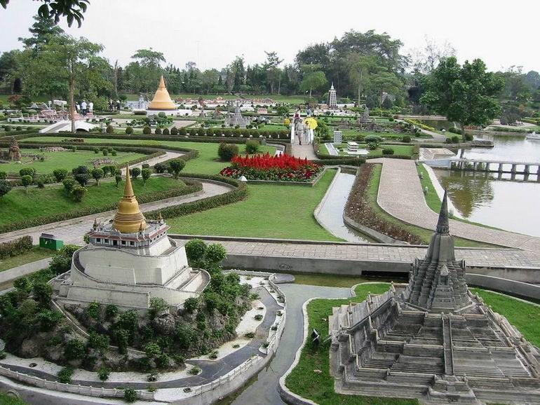 Красивые места Таиланда: парк Мини Сиам в Паттайе