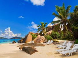 Как и где найти жилье на время поездки на море?