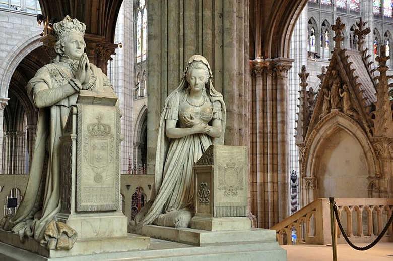 Фото Базилика Сен-Дени в Париже Франция