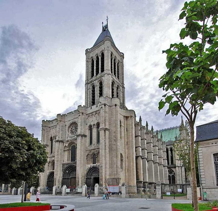 Базилика Сен-Дени в Париже Франция фото