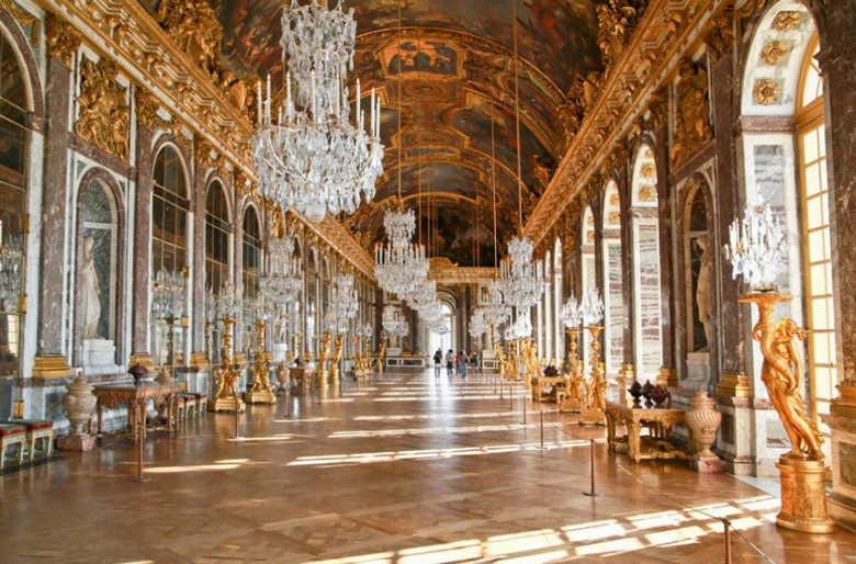 Зеркальная галерея Версальский дворец Франция фото
