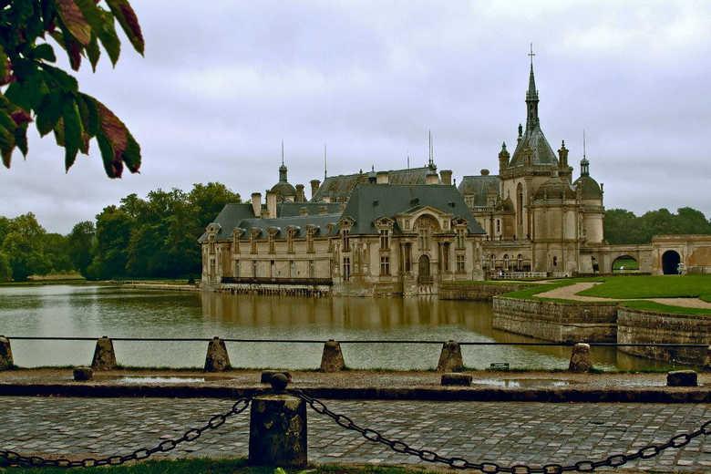 Фото замка Шантийи Франция