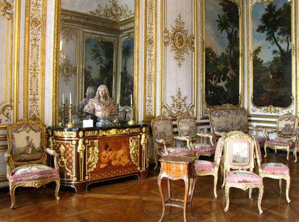Фото замка Шантийи внутри Франция