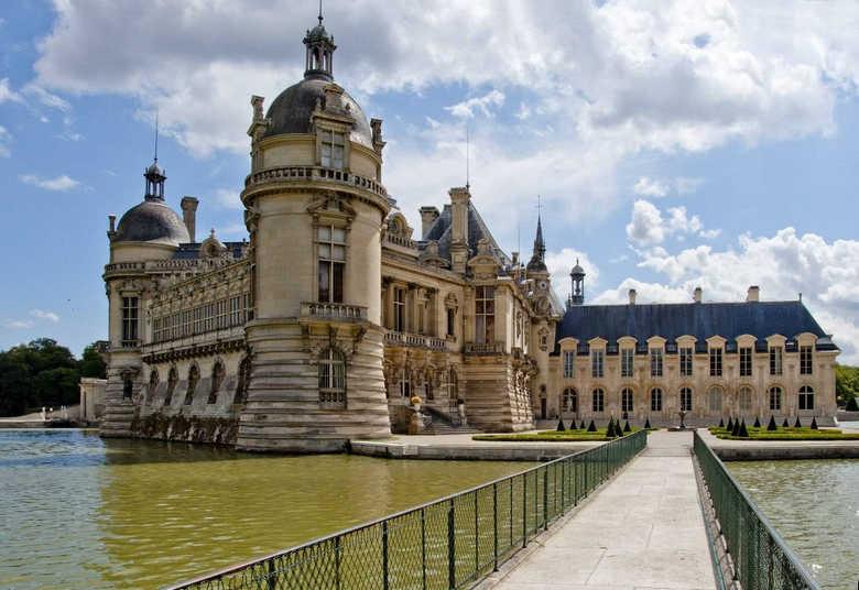 Фото замок Шантийи Франция