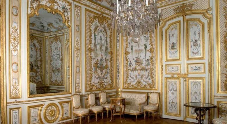 Фото замок Шантийи внутри Франция