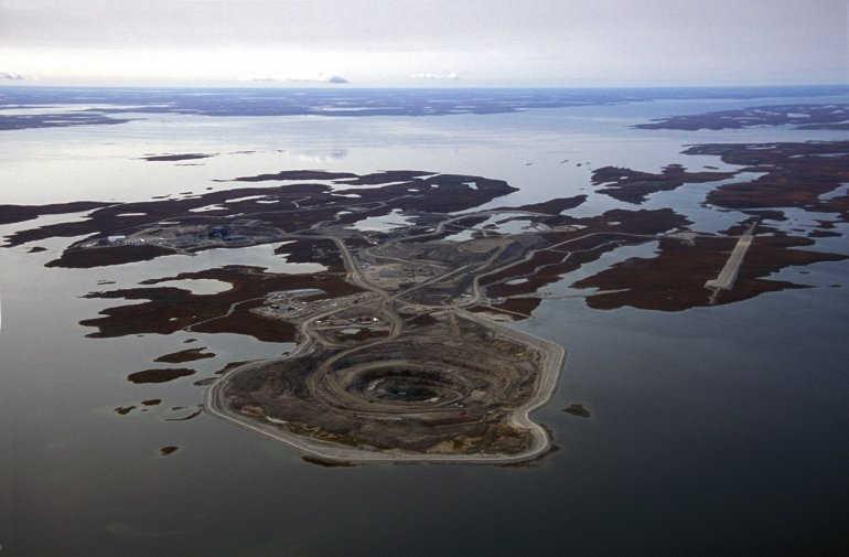 алмазная шахта в Канаде