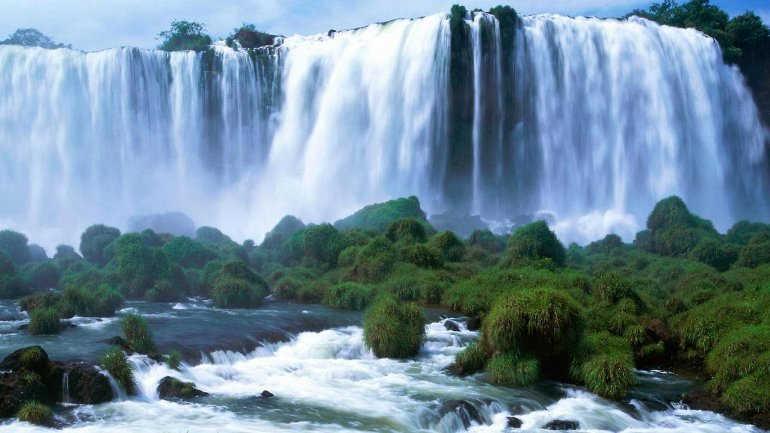 мраморный водопад в Италии