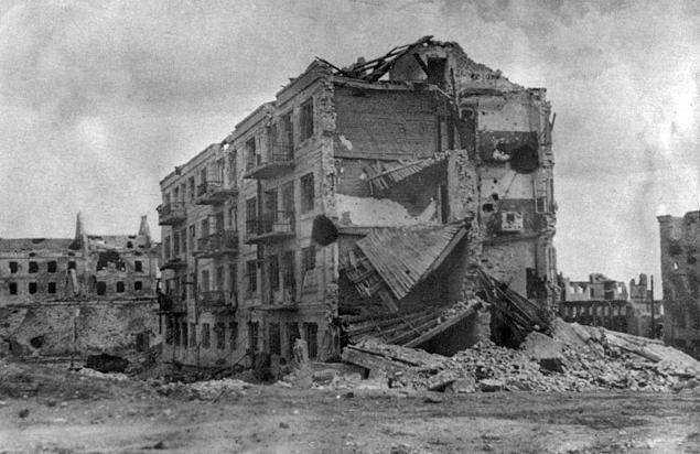 dom-pavlova-posle-okonchaniya-oborony-stalingrada