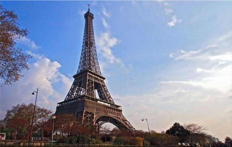 Франция Эйфелева башня фото