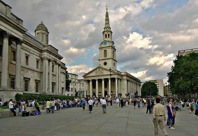 Церковь Святого Мартина на Трафальгарской площади в Лондоне