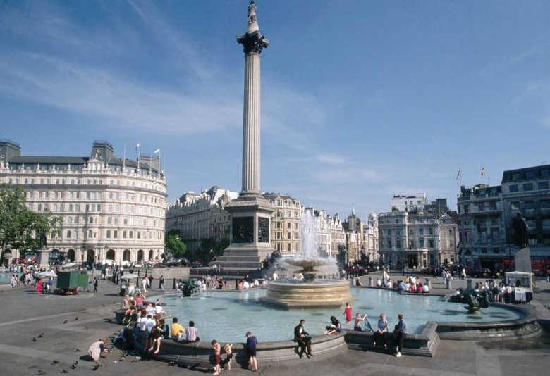 Трафальгарская площадь в Лондоне фото