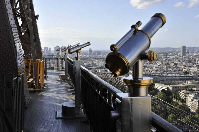 Вид с Эйфелевой башни в Париже фото