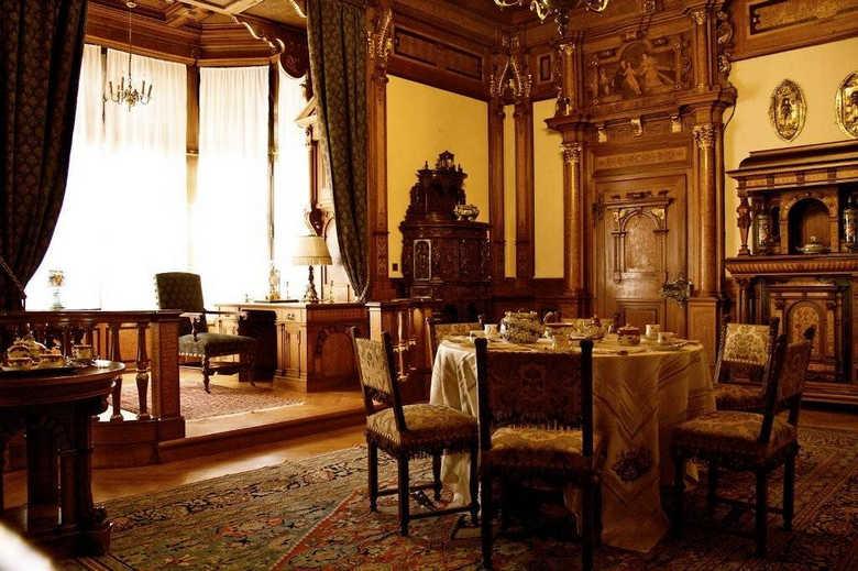 Фото Замок Пелеш столовая