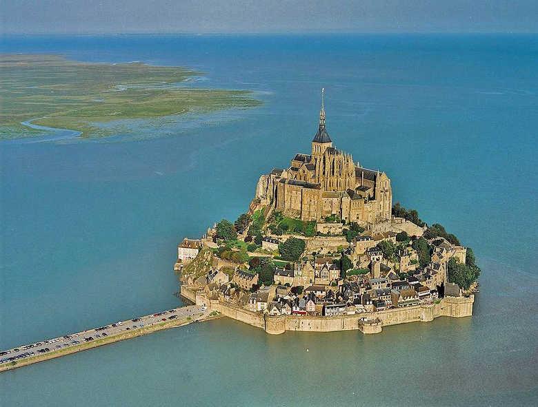 Замок Мон-Сен-Мишель Франция фото