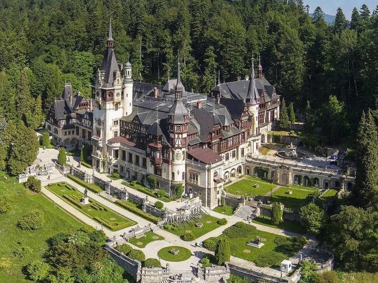 Замок Пелеш фото