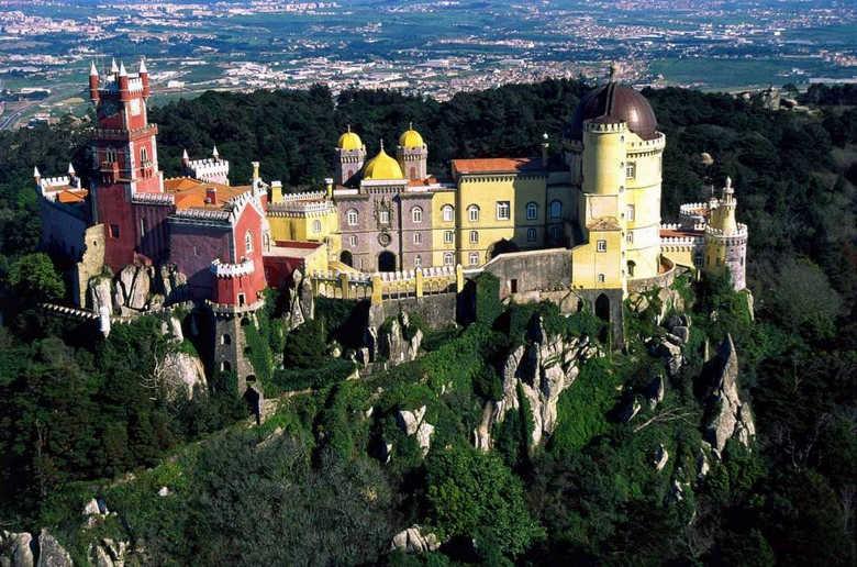фото дворец Пена в Португалии