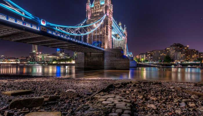 Тауэр и Тауэрский мост в Лондоне