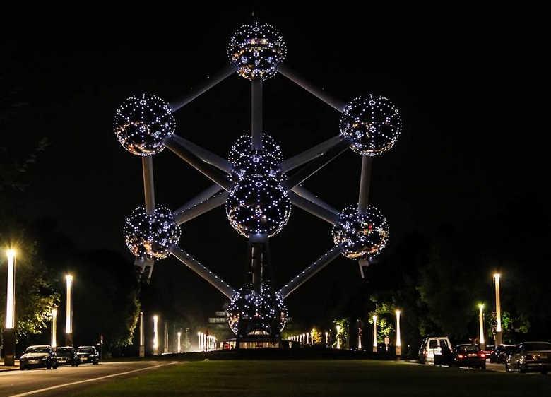 Атомиум Бельгия Брюссель фото