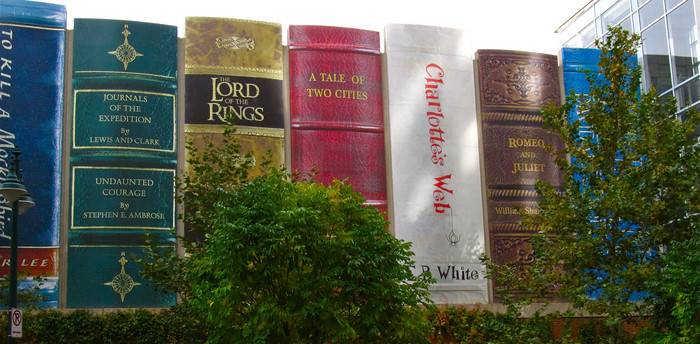 Фото библиотека Канзас Сити США фото, гигантская книга