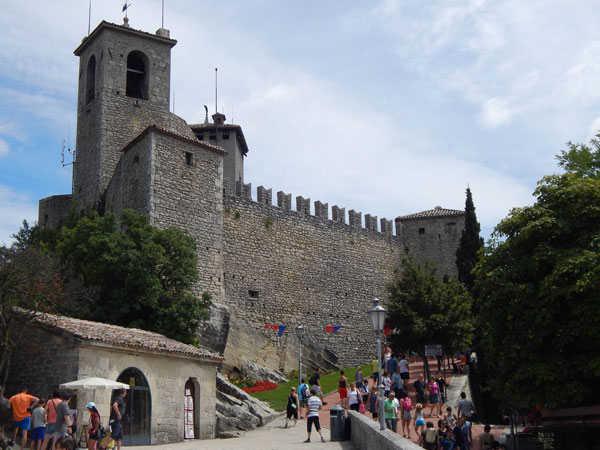 Первая башня Гуаита