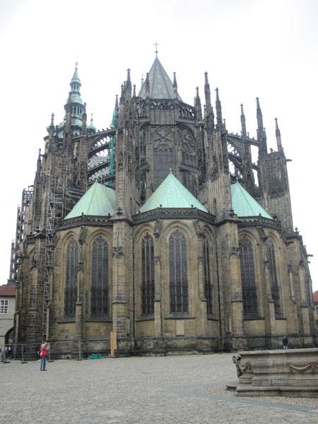 Собор Святого Вита с обратной стороны
